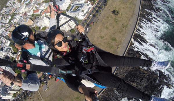 lady Paragliding