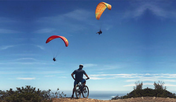 Mountain Bike and Paragliders